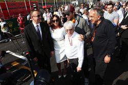 Ilham Aliyev, y su esposa, Mehriban Aliyeva (AZE); Enrique Iglesias, Singer; Bernie Ecclestone (GBR)