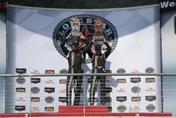 Ganadores de la carrera #15 Multimatic Motorsports Ford Shelby GT350R-C: Scott Maxwell, Billy Johnso