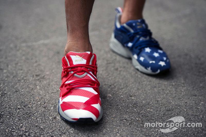 علم الولايات المتحدة الأمريكية على حذاء بوما