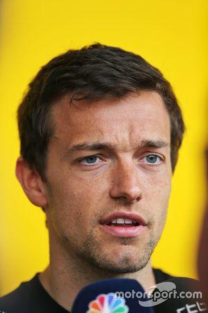 Джолион Палмер, Renault Sport F1 Team со СМИ