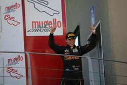 Giuliano Raucci, Diegi Motorsport celebra en el podio