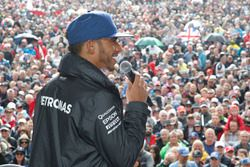 Lewis Hamilton, Mercedes AMG F1 on the Silverstone Stage