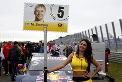 La Grid Girl de Mattias Ekström, Audi Sport Team Abt Sportsline, Audi A5 DTM