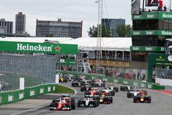 Sebastian Vettel, Ferrari SF16-H mène au départ