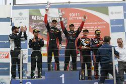 Carrera 2 podio GT3, Zonzini-Russo (Audi Sport Italia,Audi R8LMS-GT3 #58), Postiglione-Gagliardini (