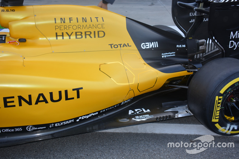 Renault Sport F1 Team RS16, Side