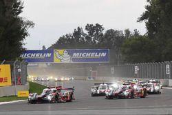 Inicio: #8 Audi Sport Team Joest Audi R18 e-tron quattro: Lucas di Grassi, Loic Duval, Oliver Jarvis