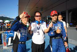Winner #12 Team Impul Nissan GT-R Nismo GT3: Hironobu Yasuda, Joao Paulo de Oliveira with Kazuyoshi Hoshino, Team Impul Director