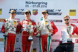 Podio: ganador de la carrera Thomas Preining, Lechner Racing ; segundo lugar. Mick Schumacher, Prema