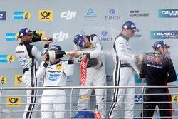 Les vainqueurs : #4 AMG-Team Black Falcon, Mercedes-AMG GT3: Bernd Schneider, Maro Engel, Adam Christodoulou, Manuel Metzger