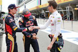 Daniel Ricciardo, Red Bull Racing, Carlos Sainz Jr., Scuderia Toro Rosso, y Max Verstappen, Scuderia