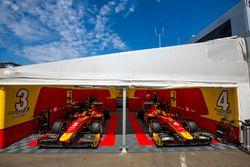 El toldo del equipo Racing Engineering