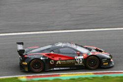 #40 Easy Race, Ferrari 488 GT3: Ferdinando Geri, Daniel Mancinelli, Gregori Romanelli, Filippo Franc