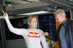 Lindsey Vonn talks to Dr. Helmut Marko
