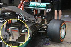 Detalle del alerón trasero de Mercedes AMG F1 W07