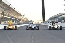 Qualifying Top 3: Ryan Hunter-Reay, Andretti Autosport Honda, Josef Newgarden, Ed Carpenter Racing Chevrolet, James Hinchcliffe, Schmidt Peterson Motorsports Honda