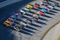 Joey Logano, Team Penske Ford, Kevin Harvick, Stewart-Haas Racing Chevrolet