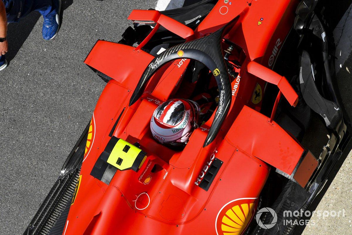 Charles Leclerc, Ferrari SF1000, nel Parc Ferme dopo la qualifica