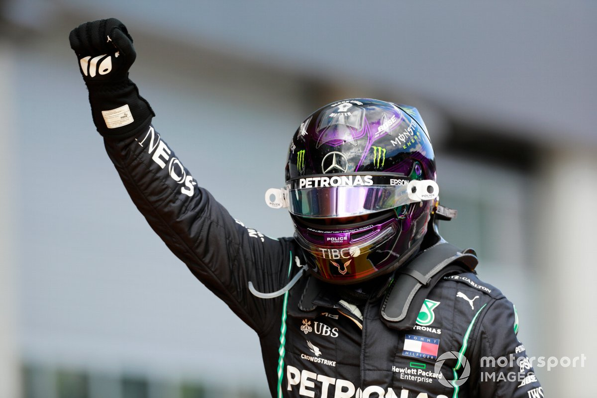 Race winner Lewis Hamilton, Mercedes