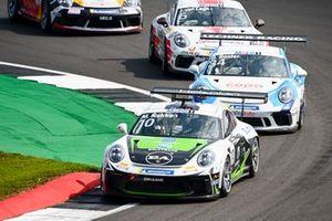 Marius Nakken, Dinamic Motorsport, leads Berkay Besler, Jaap van Lagen, Fach Auto Tech, and Jukka Honkavuori, MRS GT-Racing