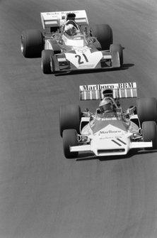 Jean-Pierre Beltoise, BRM P160C, Mike Hailwood, Surtees TS9B Ford
