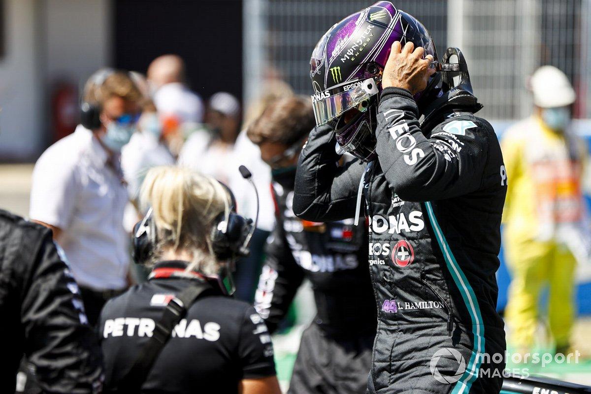 Lewis Hamilton, Mercedes-AMG Petronas F1 sulla griglia di partenza