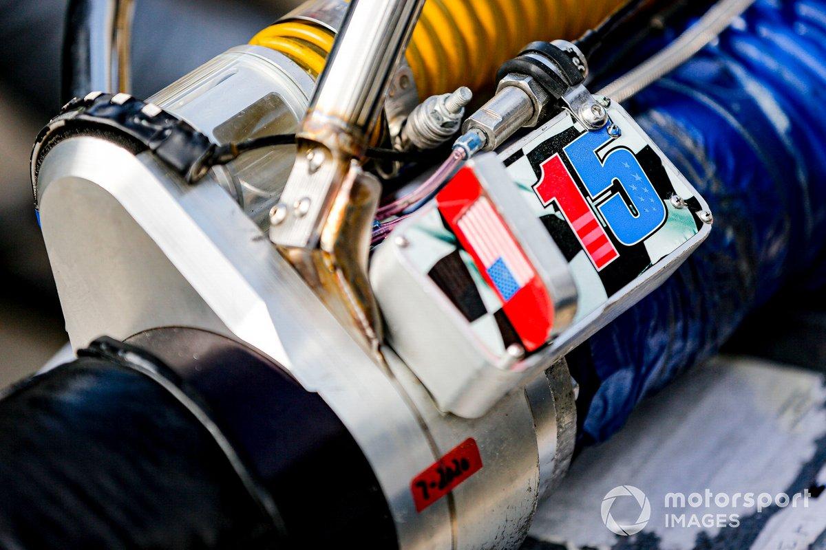El equipamiento de Graham Rahal, Rahal Letterman Lanigan Racing Honda, en el pit