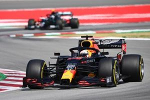Max Verstappen, Red Bull Racing RB16, leads Valtteri Bottas, Mercedes F1 W11