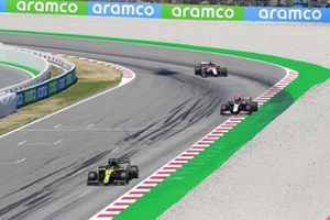 Daniel Ricciardo, Renault F1 Team R.S.20, Kevin Magnussen, Haas VF-20, Kimi Raikkonen, Alfa Romeo Racing C39