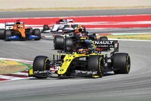 Esteban Ocon, Renault F1 Team R.S.20, Alex Albon, Red Bull Racing RB16, Carlos Sainz Jr., McLaren MCL35