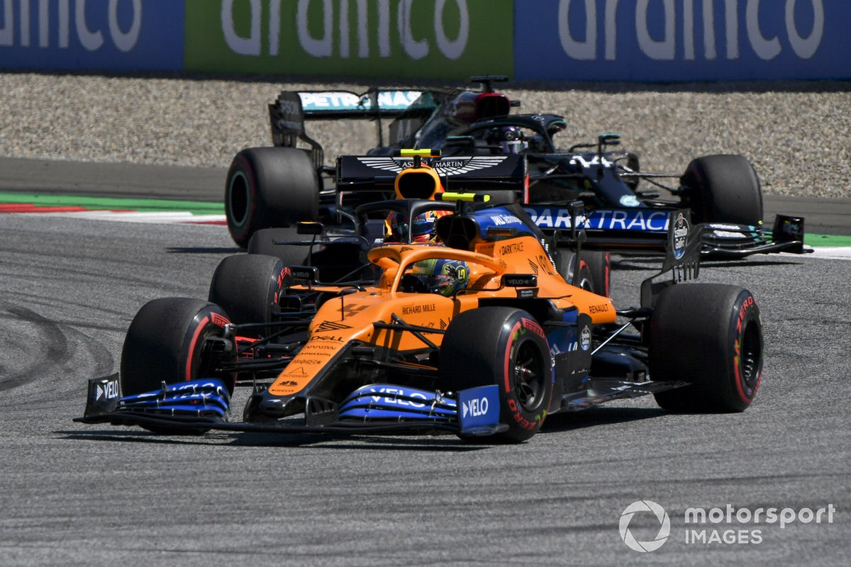 Lando Norris, McLaren MCL35, Alex Albon, Red Bull Racing RB16, Lewis Hamilton, Mercedes F1 W11 EQ Performance