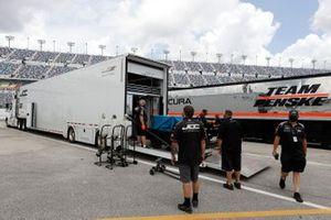 Garage, setup, #5: Mustang Sampling Racing / JDC-Miller MotorSports Cadillac DPi, DPi: Sebastien Bourdais, Joao Barbosa