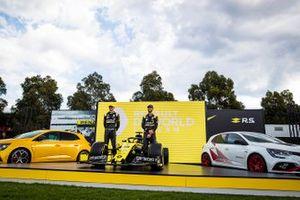 Esteban Ocon, Renault F1 y Daniel Ricciardo, Renault F1 con su Renault F1 Team R.S.20