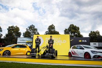 Esteban Ocon, Renault F1 and Daniel Ricciardo, Renault F1 with their Renault F1 Team R.S.20