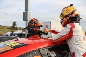 Race winner Scott McLaughlin, DJR Team Penske Ford, second place Lee Holdsworth, Tickford Racing Ford