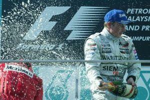 Podyum: Yarış galibi Kimi Raikkonen, McLaren