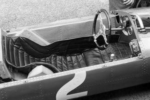 Кокпит Ferrari 158 Джона Сертиза