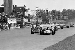 Jackie Oliver, BRM P153, Jackie Stewart, March 701
