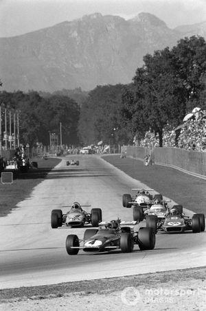 Clay Regazzoni, Ferrari 312B, Jackie Stewart, March 701 Ford y Denny Hulme, McLaren M14A Ford