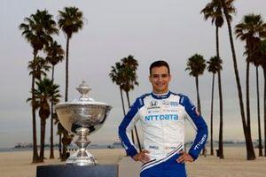 Alex Palou, Chip Ganassi Racing Honda con el trofeo de la Copa Astor