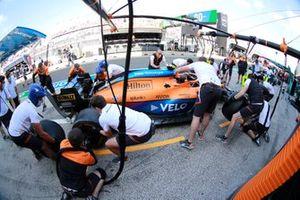Pit stop practice with the car of Lando Norris, McLaren MCL35M