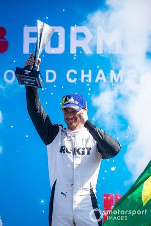 Edoardo Mortara, Venturi Racing, 2nd position, on the podium