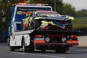 De beschadigde #98 Aston Martin Racing Aston Martin Vantage AMR LMGTE Am, Paul Dalla Lana, Nicki Thiim, Marcos Gomes