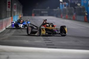 Jean-Eric Vergne, DS Techeetah, DS E-Tense FE21, Maximilian Guenther, BMW I Andretti Motorsports, BMW iFE.21