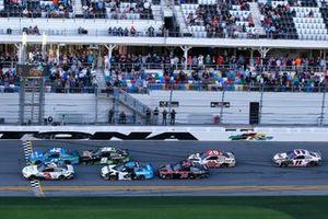 Austin Dillon, Richard Childress Racing, Chevrolet Camaro and Kyle Larson, Chip Ganassi Racing, Chevrolet Camaro AdventHealth