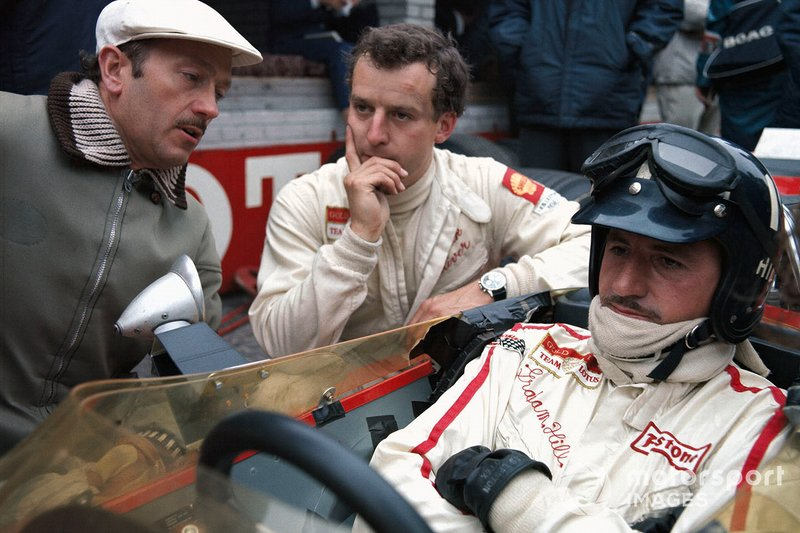 Zandvoort 1968: Colin Chapman in gesprek met Oliver en Hill