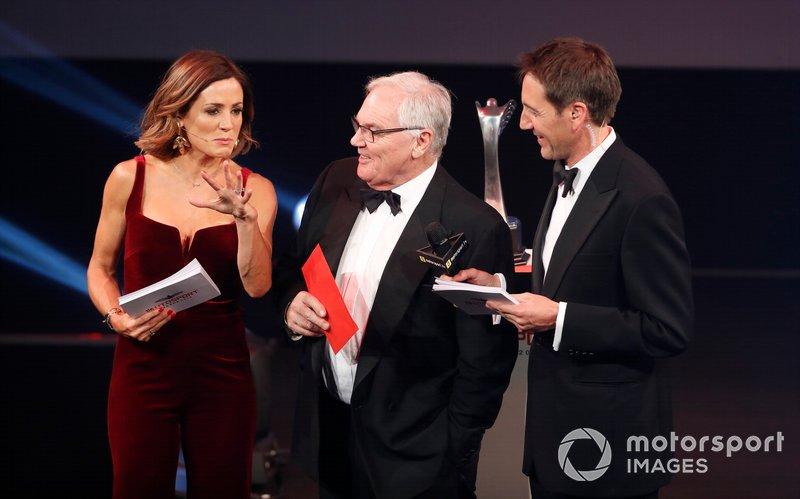 Entrega del premio Coche del Año para el Mercedes AMG F1 W10