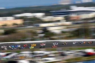 Brad Keselowski, Team Penske, Ford Mustang Discount Tire, Aric Almirola, Stewart-Haas Racing, Ford Mustang Smithfield