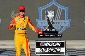 1. Joey Logano, Team Penske, Ford Mustang Shell Pennzoil