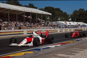 Gerhard Berger, McLaren, Nigel Mansell, Ferrari, al GP di Francia del 1990